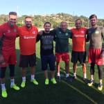 Foto no Centro de Treinamento do Internacional com os goleiros Artur, Elias e o amigo Jorginho e os preparadores de goleiros Daniel Pavan e Durgue