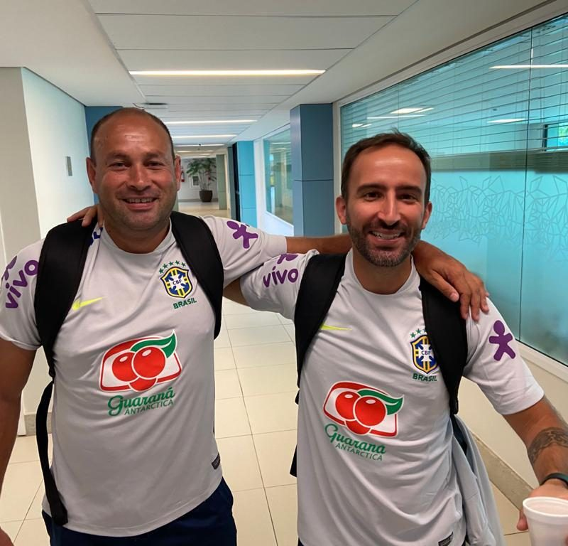 Com o amigo André Analista de desempenho da seleção Olímpica .