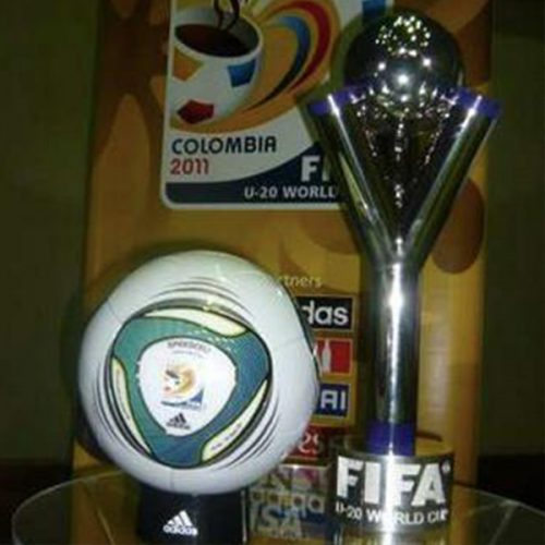 Taça e Bola do Mundial sub 20 na Colômbia 2011.